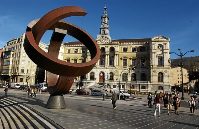 Vista del Ayuntamiento de Bilbao. FOTO: Mikel Arrazola.