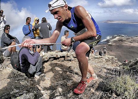 Oier Ariznabarreta maldan gora. ARGAZKIA: Ian Corless
