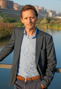 El escritor cántabro Sergio Martínez ha presentado su primera novela estos días en Bilbao. FOTO: Archivo BBN