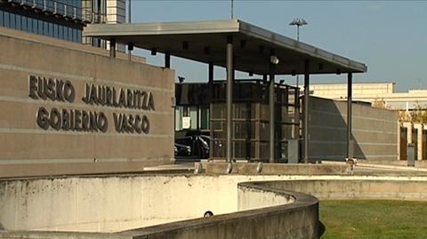 El Gobierno vasco comienza a devolver la paga extra que retiró en diciembre de 2012