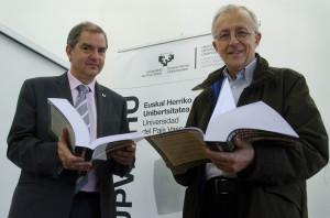 José Luis Martín (a la izquierda) y Enrique Mandado. FOTO: UPV/EHU.