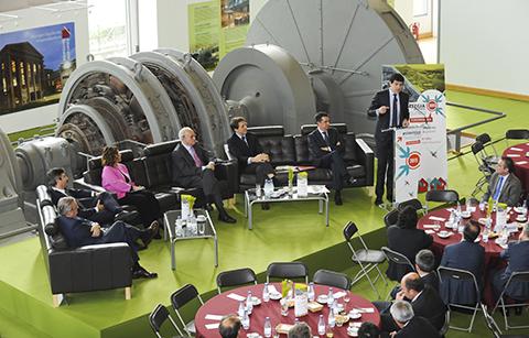 Jornada empresarial en torno al reto de recuperar el tejido industrial en Ezkerraldea