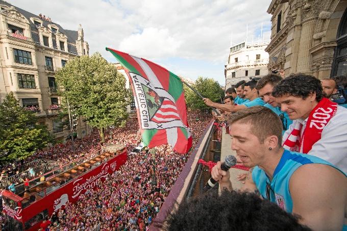 Bilbao homenajea a sus campeones de la supercopa