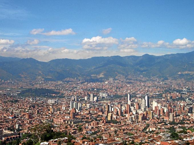 Panorámica de Medellín, ciudad premiada con el Lee Kuan Yew.