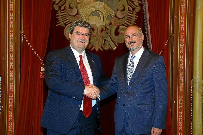 Visita del embajador de Israel, Daniel Kutner, al Ayuntamiento de Bilbao