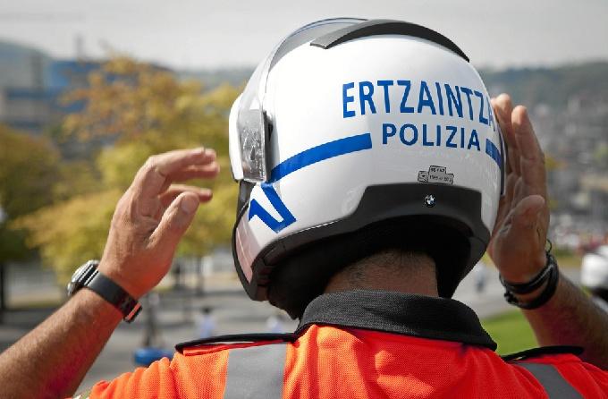La Ertzaintza ha detenido a una mujer en la capital vizcaína por robo con violencia