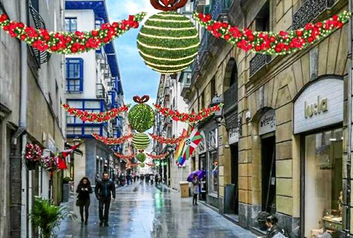 El Casco Viejo pone en marcha la Navidad con una decoración innovadora y una agenda repleta de actos