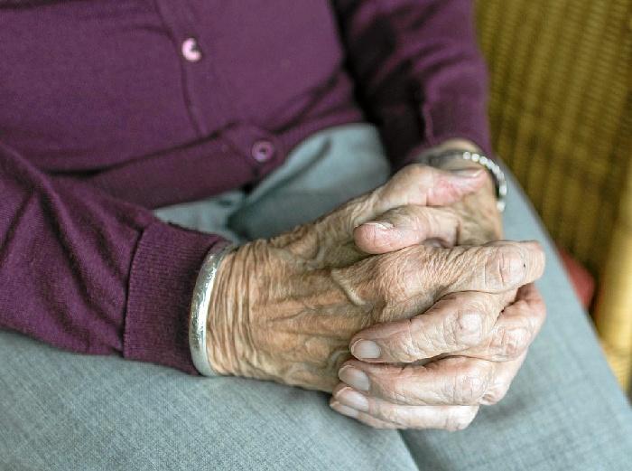 Personas mayores de Bizkaia elaboran un calendario solidario para mostrar su valía en la sociedad