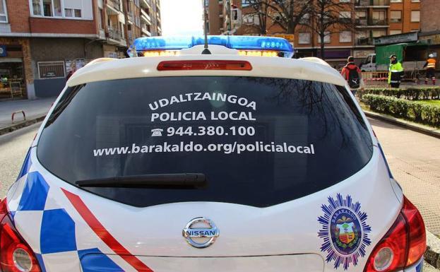 Tres detenidos en Barakaldo por intentar robar una cadena de oro en Retuerto