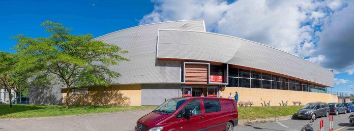El Polideportivo de Zorrotza renueva sus pistas de atletismo