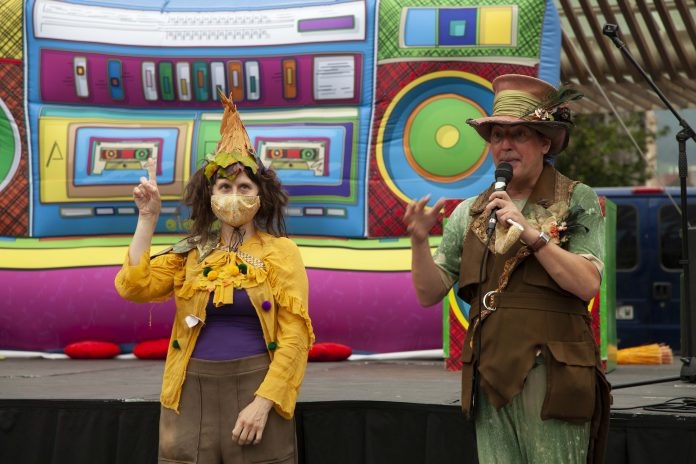 Circo en Deustu y humor en Ibaiondo, dos de las propuestas culturales de esta semana