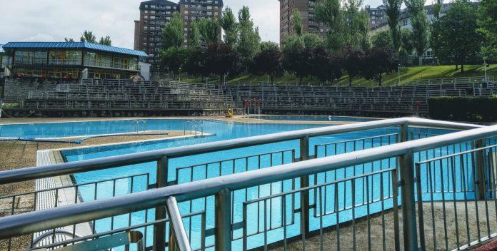 Primer día de reapertura de los 11 polideportivos municipales de Bilbao