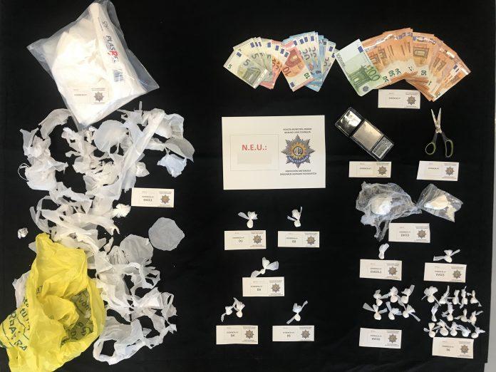 Detenido un traficante de droga en el barrio de Abando