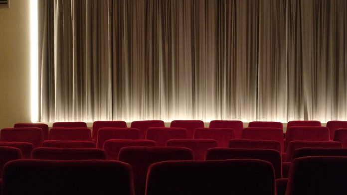 Ermua vuelve a disfrutar del cine tras seis meses de cierre